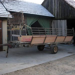 Das war der Anfang: Ein alter Ladewagen bildet die Basis