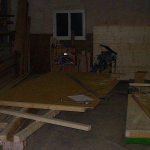 Die erste Häuserwand wird gebaut