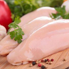 Juni-Angebot: Frisches Junghahnfleisch